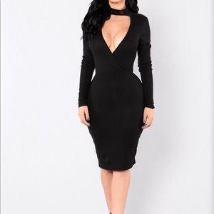 Dresses & Skirts - Sexy Black Midi Dress